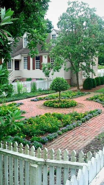 Home insurance for colonial houses in Greenwich